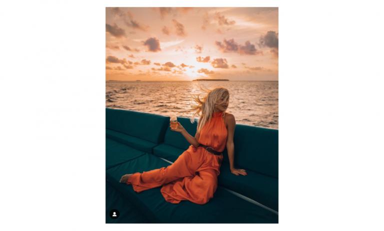 Aggie Lal instagram sunrise pose